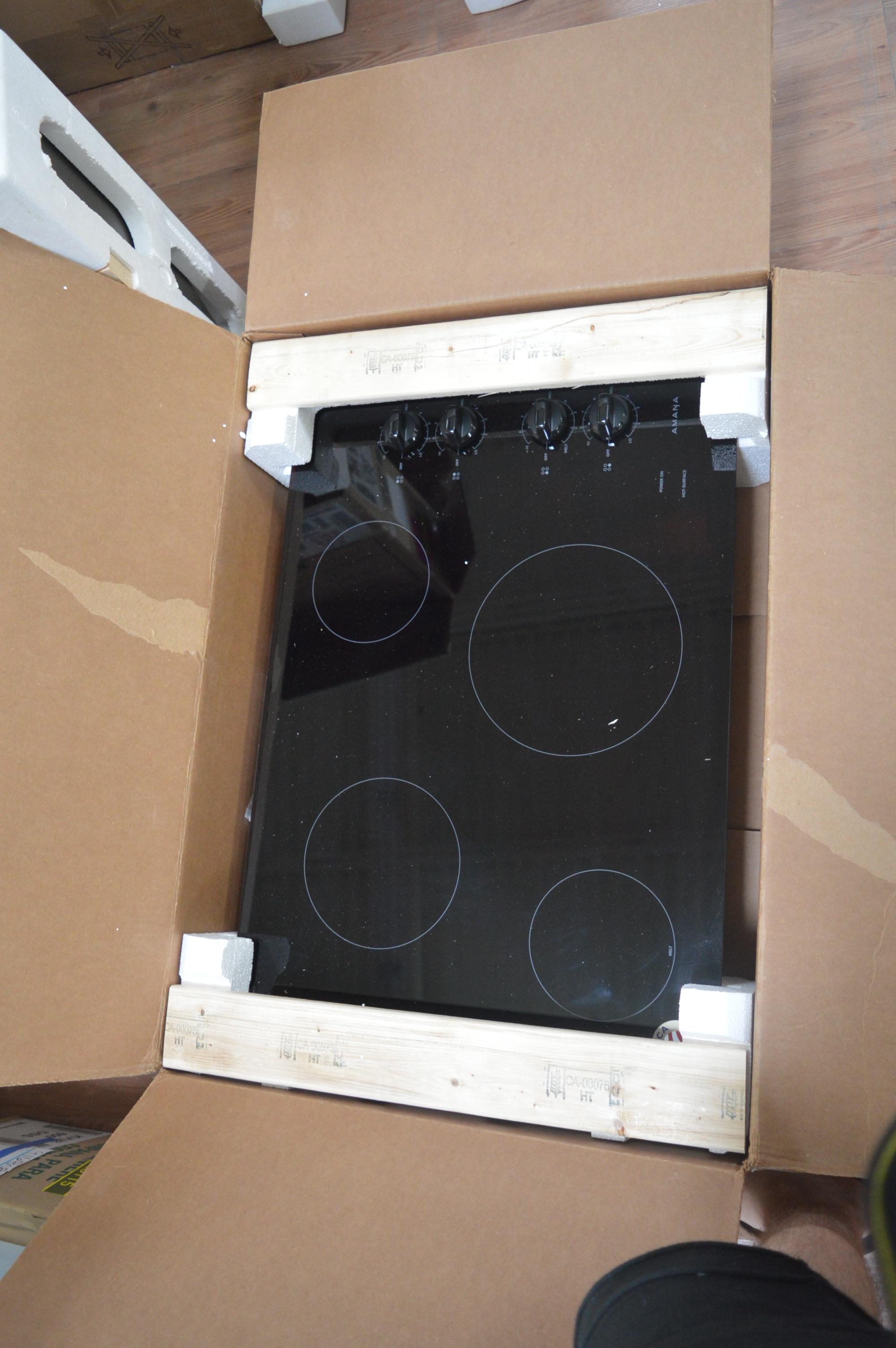 Amana AEC6540KFB Electric Cooktop Black