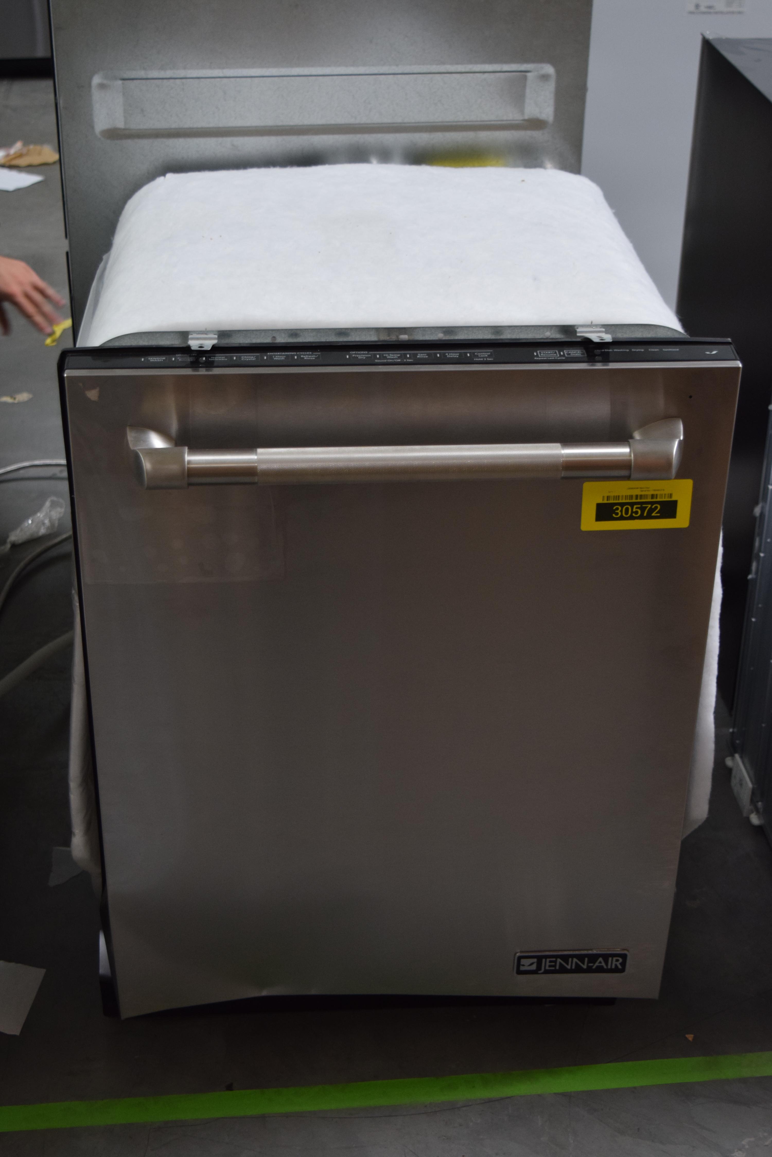 Jenn-Air JDB9000CWP 24