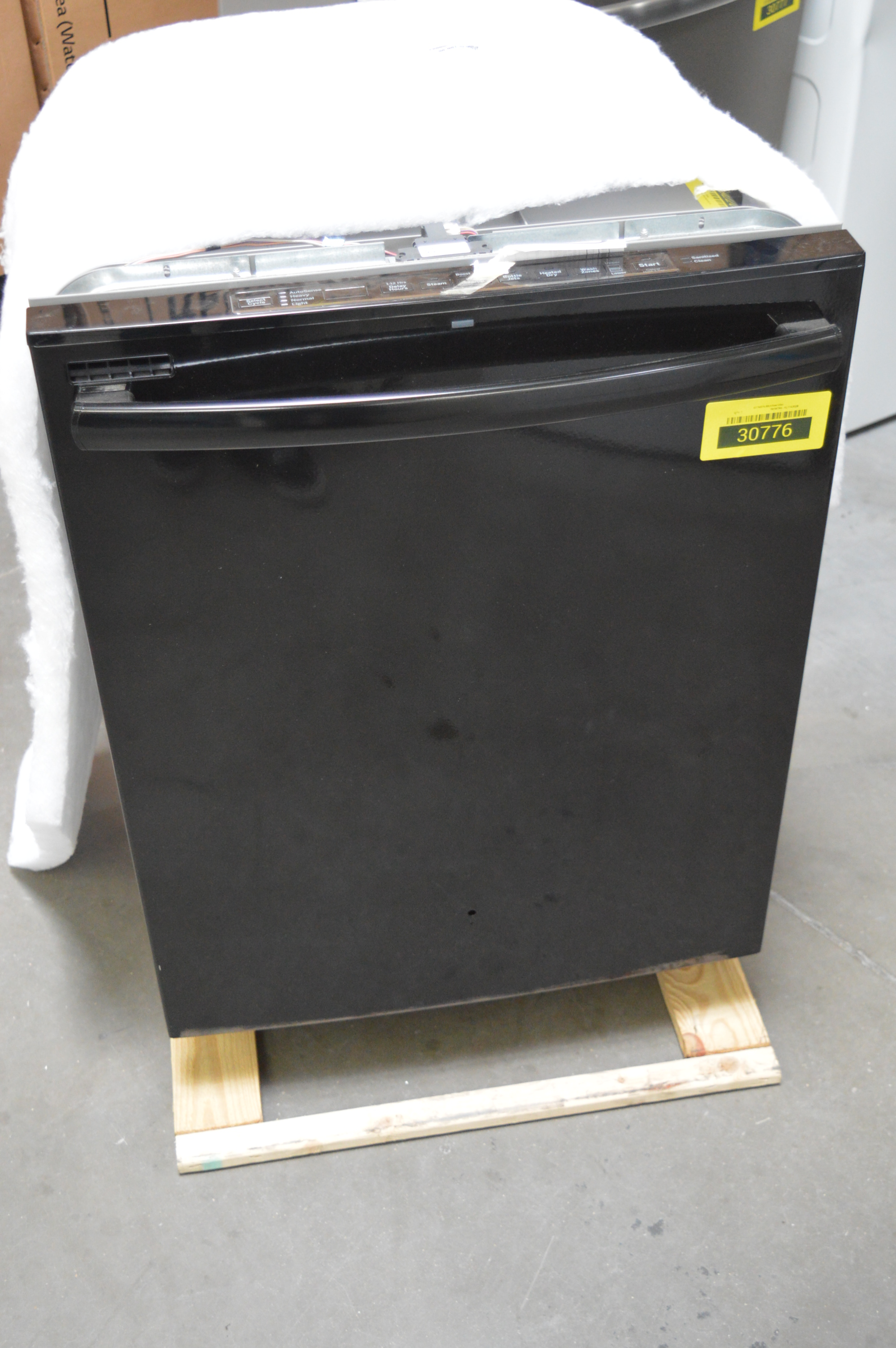 GE GDT625PGJBB Full Console Dishwasher