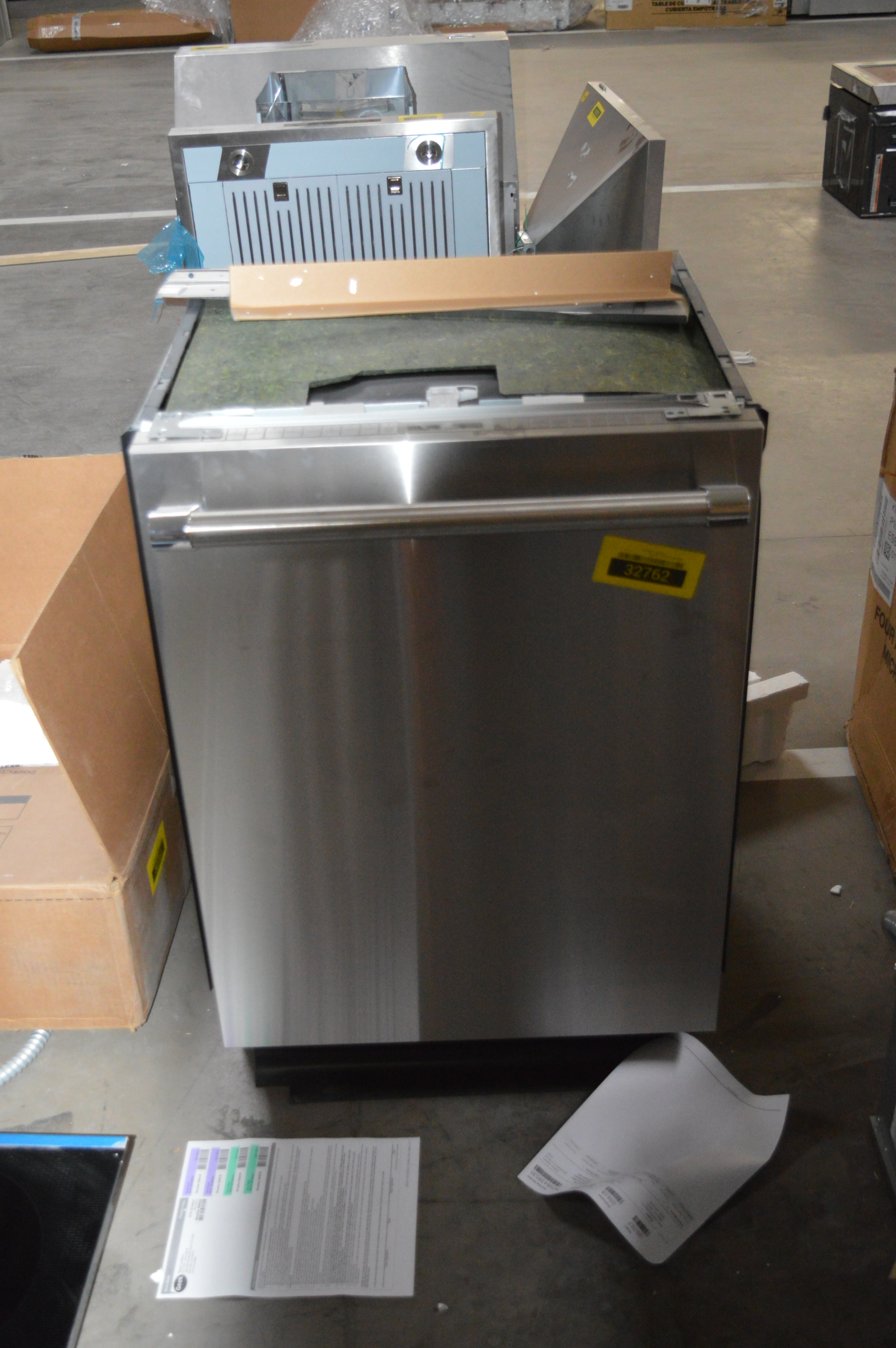 Thermador DWHD860RFP Fully Integrated Dishwasher Stainless