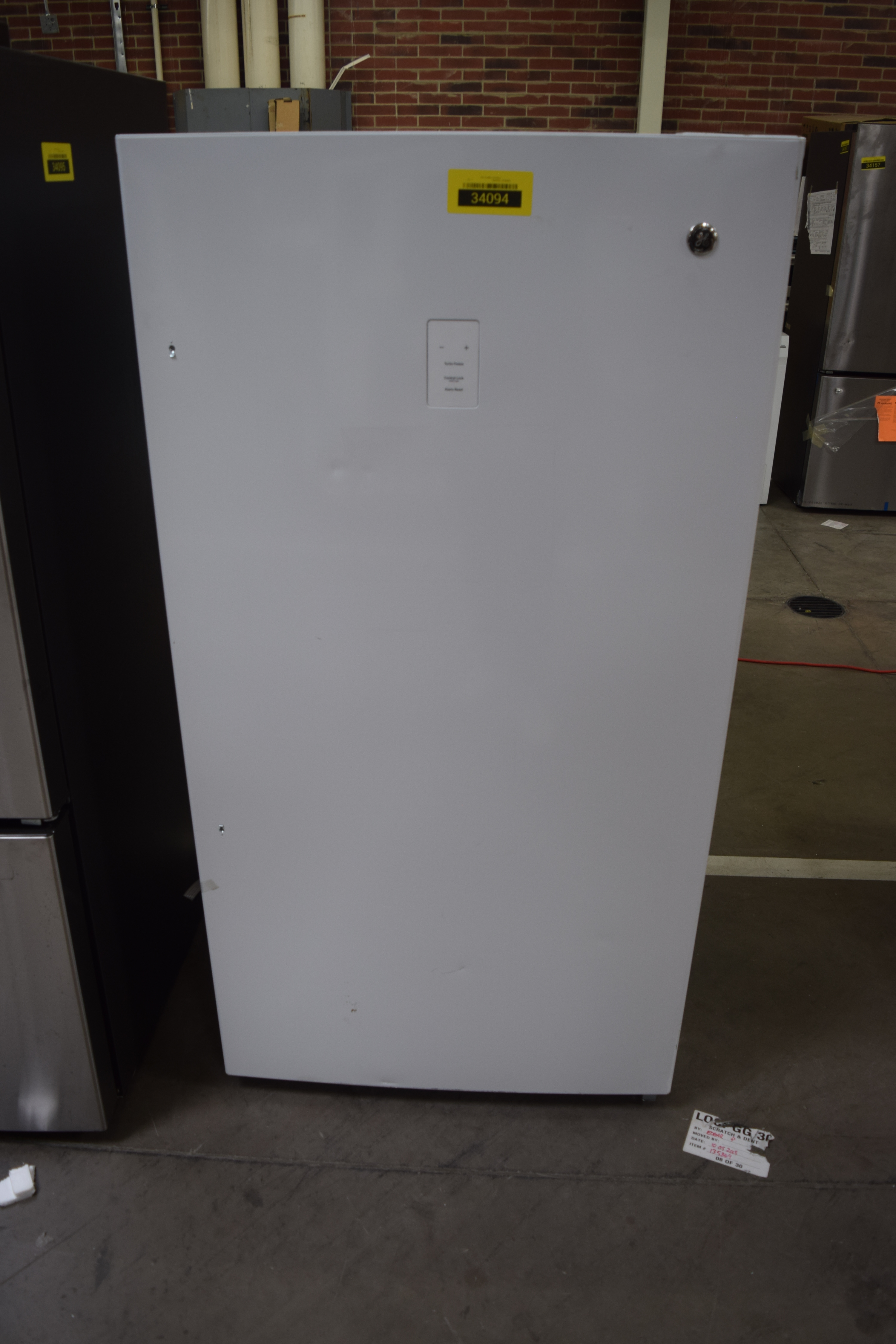 GE FUF17DLRWW White Upright Freezer  NOB 34094 HRT